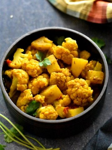 Spiced potato and cauliflower made in Instant pot, aloo gobi