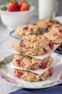 Strawberry-Oatmeal-Cookies
