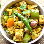 10-Minute Kadai paneer by Spice Cravings is a delicious & elegant dish made with Paneer, peppers & onions. Seasoned with fragrant Indian spices, this is a real crowd pleaser. #food #foodie #foodblogger #delicious #recipe #instantpot #recipes #easyrecipe #cuisine #30minutemeal #instagood #foodphotography #tasty #curry #indian #SpiceCravings
