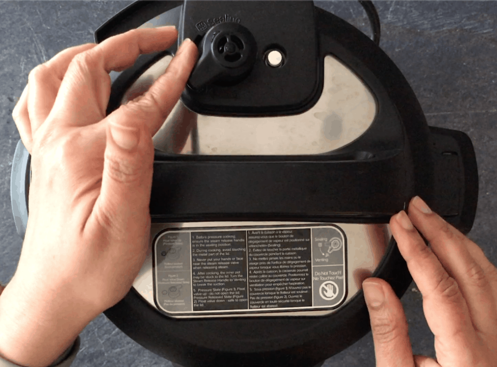 Releasing pressure manually in an Instant Pot by turning the knob
