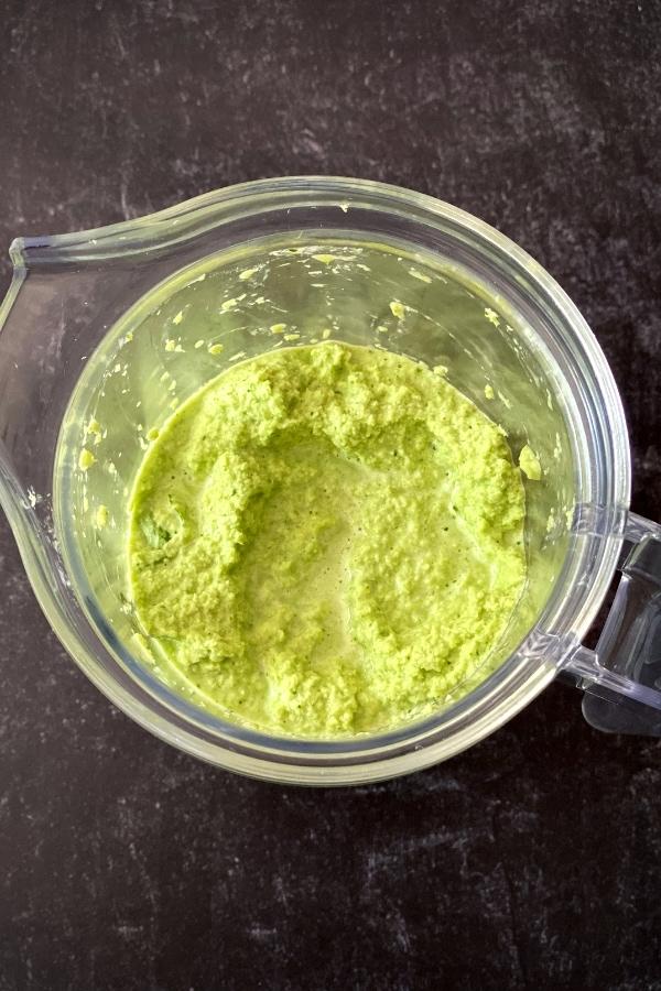blended coriander chutney in blender