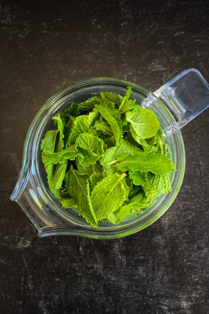 fresh mint leaves in blender