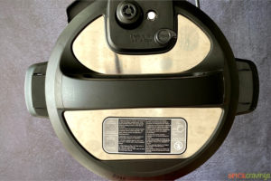 Instant pot with lid closed