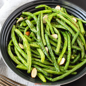 plate of air fryer green beans above