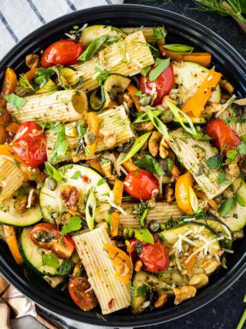 bowl of pasta salad in black bowl